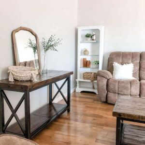 What Color Furniture Goes with Light Hardwood Floors?