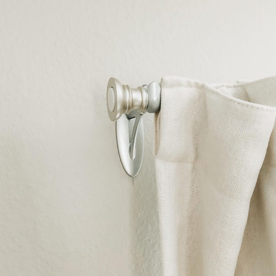 Where Should Curtain Rod Brackets Be Placed?
