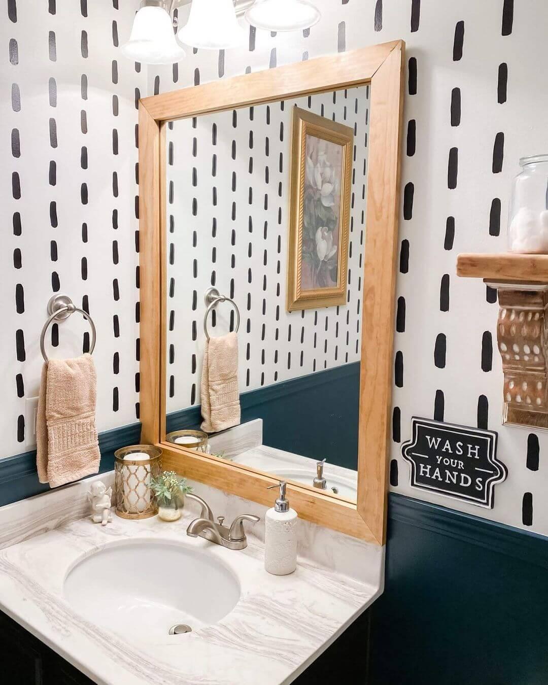 Framed vs Frameless Bathroom Mirror
